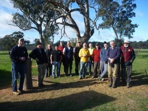 Volunteers from the Victorian Mobile Landcare Group.